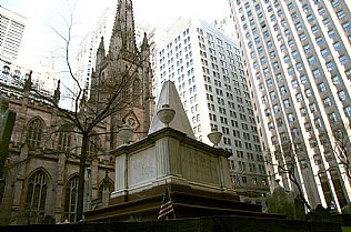 Alexander-Hamilton-Memorial, Trinity Church in New York (1839)  © Alexander Gautsch